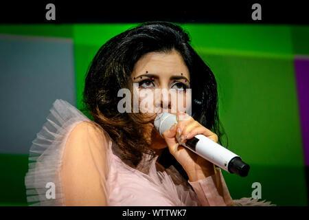 Toronto, Kanada. 10 Sep, 2019. Die walisische Sängerin und Songwriterin Marina Frau Lambrini Diamandis, der zuvor als Marina und der Diamanten bekannt, erfolgt eine ausverkaufte Show in Toronto. Credit: SOPA Images Limited/Alamy leben Nachrichten - Stockfoto