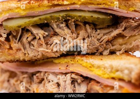 BBQ zog Schweinefleisch Montecristo sandwich Detailansicht - Stockfoto