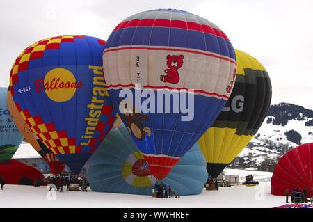 Heißluftballons am Startplatz - Stockfoto