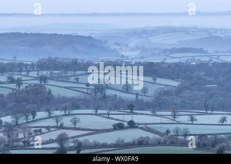 Frosty hügeligen Landschaft in der Nähe von Sourton, Devon, England, Vereinigtes Königreich, Europa - Stockfoto