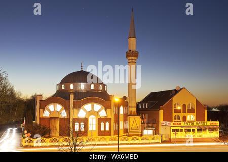 Glauben Moschee am Abend, Essen, Ruhrgebiet, Nordrhein-Westfalen, Essen, Deutschland, Europa