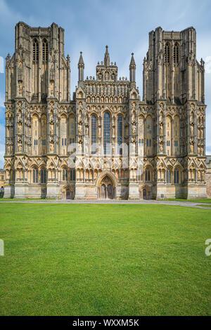 Wells Cathedral ist eine anglikanische Kathedrale von Wells, Somerset, England, dem hl. Apostels Andreas gewidmet und Sitz des Bischofs von Bath und Wells, der - Stockfoto