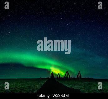 Die Arctic Henge, (Heimskautsgerdi). Arctic Henge, von Stonehenge, einer riesigen sonnenuhr in einem entlegenen nördlichen, östlichen Raufarhofn, Island inspiriert - Stockfoto