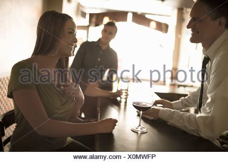 Flirten bei der arbeit Die wichtigsten Regeln für den Büroflirt, XING spielraum