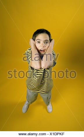Portrait eines Jungen schreien - Stockfoto