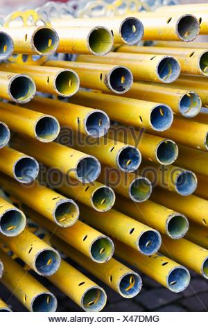 Stapel von Rohren - Stockfoto
