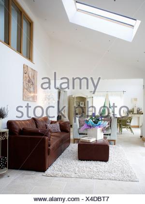 Braunen Sofa Und Ottomane In Offene Wohn Esszimmer Erweiterung