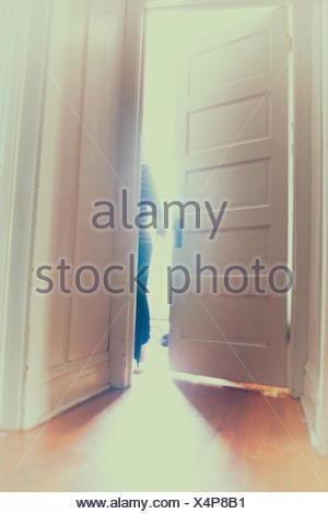 Abbildung durch eine Tür - Stockfoto