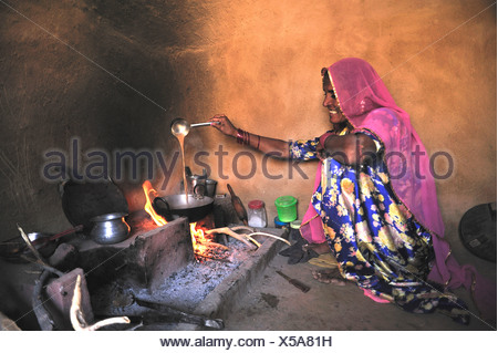 1 indische potter vorbereitung t pfe stockfoto bild. Black Bedroom Furniture Sets. Home Design Ideas