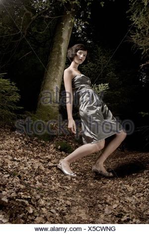 Frau im Abendkleid, in firest - Stockfoto