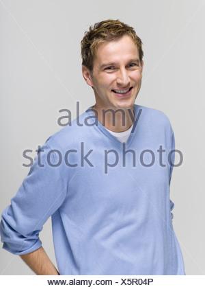 Junger Mann, portrait - Stockfoto