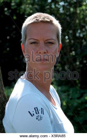 Frauen ultrakurze haare Ultrakurze Haare