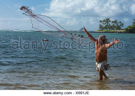 Molokai, lokale, Polynesian, kein Model-Release, Mann, Angeln, USA, Hawaii, Amerika, Fischer,