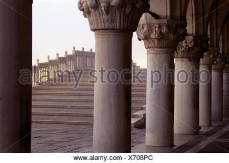 Venedig, Blick von Arkaden des Palazzo Ducale Ponte Tu Rialto, Morgenlicht, - Stockfoto