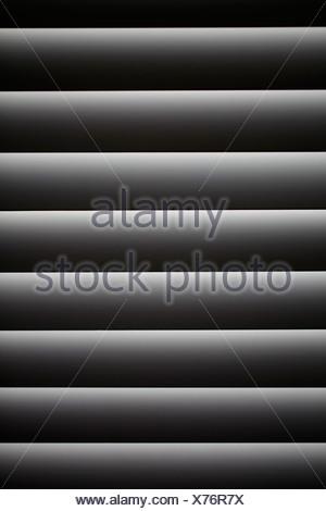 VENEZIANISCHES FENSTER BLIND GESCHLOSSEN - Stockfoto