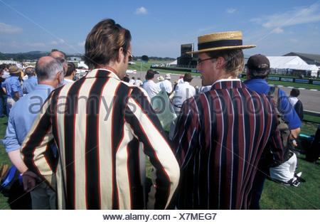 Oldtimer Treffen Goodwood Rennstrecke mit Zuschauer tragen historische Kostüme 2004 UK - Stockfoto