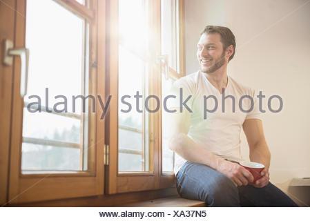 Fensterbank Zum Sitzen fensterbank zum sitzen wunderschne graue katze auf der fensterbank