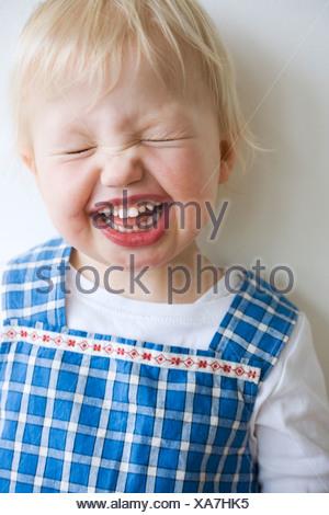 Porträt eines lachenden Mädchens, Schweden.