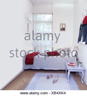 Blau weiße Schlafzimmermöbel französischen Stil Stockfoto, Bild ...