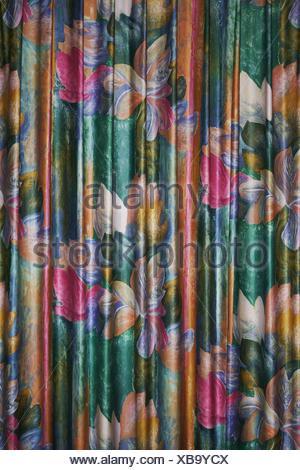 Bunte Vorhange In Einem Hotel Stockfoto Bild 283810144 Alamy