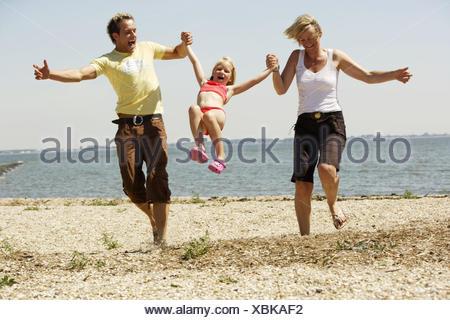 deutschland butjenter nordsee eltern tochter strand