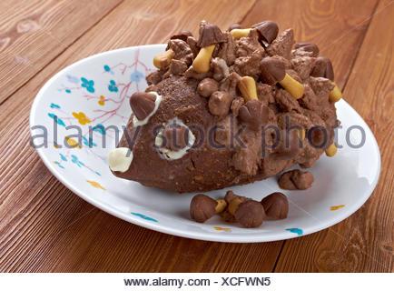Kinder Schokoladen Kuchen Igel Stockfoto Bild 80133235 Alamy