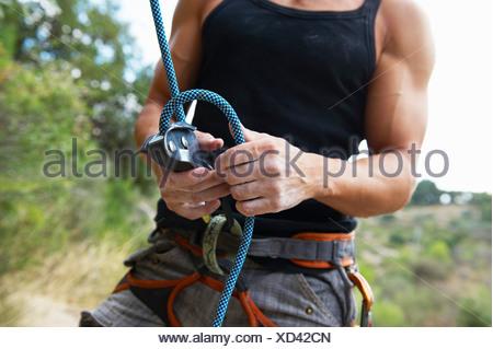 Kletterausrüstung Umlenkrolle : Kletterausrüstung umlenkrolle seil karabiner stockfoto bild