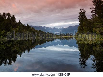 Mt. Tasman und Mt. Cook, Aoraki, Reflexion in Mt. Cook Nationalpark, Westland National Park, Lake Matheson, Südalpen