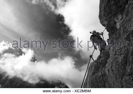 Klettersteig Ehrwald : Kletterer am seeben klettersteig in der nähe von ehrwald