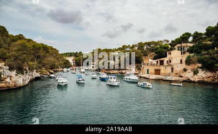 La antigua aldea de pescadores del puerto de Cala Figuera, Mallorca, España.