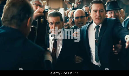 Ee.Uu.. 27 Sep, 2019. Ee.Uu.. Robert De Niro y Al Pacino en el © Netflix nueva película: el irlandés (2019). Parcela: una turba hitman recuerda su posible participación en el asesinato de Jimmy Hoffa. Ref: LMK110-J5506-270919 suministrado por LMKMEDIA. Sólo Editorial. Medios Landmark no es el propietario del copyright de estas películas o TV Stills, pero proporciona un servicio sólo por reconocidos medios. Crédito: Pictures@lmkmedia.com LMK MEDIA LTD/Alamy Live News