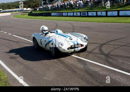 1955 Aston Martin DB3S impulsado por Urs Muller en el Freddie Marzo Memorial Trophy race en el Goodwood Revival 14Sept 2019 en Chichester, Inglaterra.