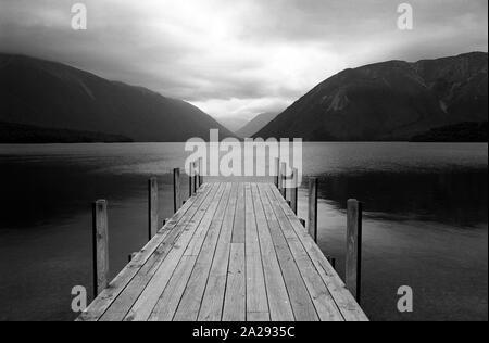 Jetty, el lago Rotoiti, Parque Nacional de Los Lagos de nelson, Isla del Sur, Nueva Zelanda