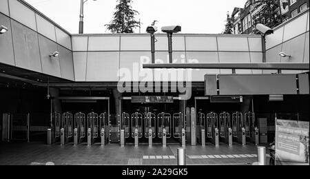 Amsterdam/Niederlande/ Julio 18, 2019: Entrada a la estación de metro de Amsterdam