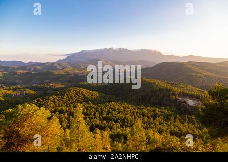 Montserrat es un macizo montañoso de Cataluña, situada a caballo de las comarcas del Bages, Anoia y el Baix Llobregat. Es muy prominente y tiene