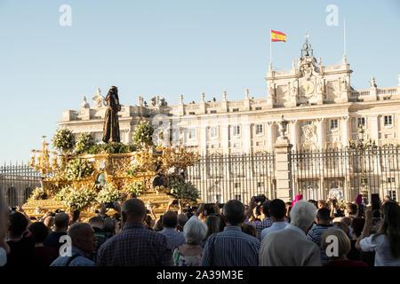 Es de 80 años desde el regreso de Jesús de Medinaceli a Madrid, desde Ginebra, tras el final de la Guerra Civil Española en 1939. A su regreso, el Foto de stock