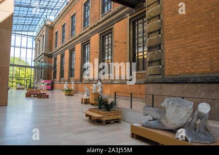 Copenhague, Dinamarca - Mayo 04, 2019: las esculturas en la Galería Nacional de Dinamarca, Statens Museum for Kunst, Copenhague, Dinamarca