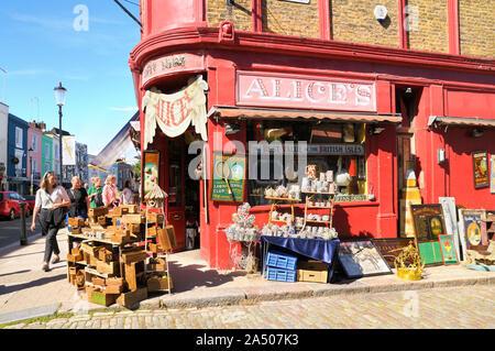 Alice's, la tienda de antigüedades de Portobello Road, Notting Hill, London W11, Inglaterra, Reino Unido.