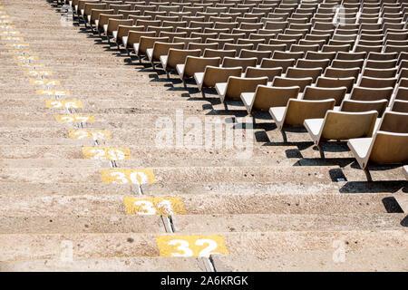 Barcelona España Cataluña Catalunya Parc de Montjuïc Stadi Olímpic Lluís Companys Estadio Olímpico 1929 Exposición internacional gradas numeradas tie