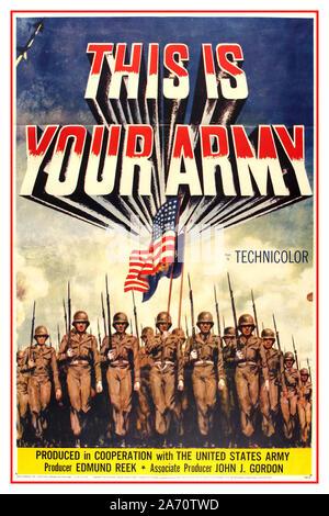 """Vintage 1950 de la post guerra el patriotismo estadounidense de películas de propaganda póster para 'Esta es tu ejército"""" producido por Edmund huelen y John J. Gordon en cooperación con el ejército de los Estados Unidos. Ilustración del batallón de infantería en uniforme marchando hacia adelante y la bandera americana contra el cielo azul de 1954, EE.UU."""