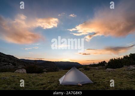 Excursiones y acampadas en la Alta Ruta de Wind River, en Wyoming, EE.UU.