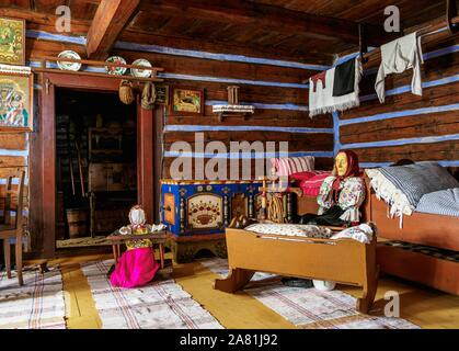 Cabaña interior, Museo al Aire Libre en Stara Lubovna, región de Presov, Eslovaquia
