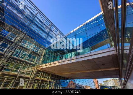 Copenhague, Dinamarca, del 2 de agosto, 2019: la Royal Library, la biblioteca nacional de Dinamarca y la biblioteca universitaria de la Universidad de Copenhague, una de las t