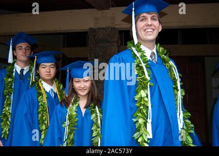 Graduación de la escuela secundaria de la Academia del Pacífico, ahora una escuela privada cerrada, en Honolulu, en la isla de O'ahu.
