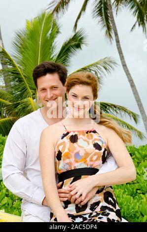 Greg propuso a Nicole el día anterior poniendo una nota en una shell donde paloma 40 pies abajo! Aparentemente, ella dijo que sí!
