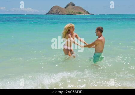 Kim y Lyle son recientemente comprometida después de seis años. A la hora de divertirse, estos dos saben realmente cómo perder!