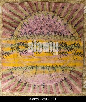 Trap (kapa o paño) después de haber sido teñidos y completado por el artista Roen Hufford, la Isla Grande de Hawai'i. La wauke (o papel) de corteza de morera que beco