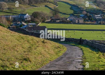 Carretera cerca de Yorkshire Austwick Feizor