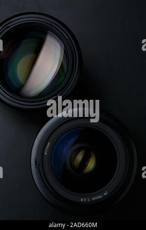 Dos lentes de cámara cerrar Foto de stock