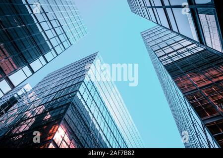 Fachada de edificio de oficinas corporativas y Sky - Concepto de negocio
